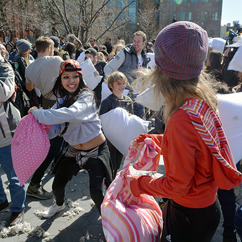 po_PillowFight1-2015
