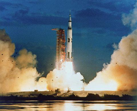 po_Apollo11-2