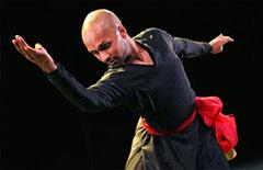 po_Khan-Akram